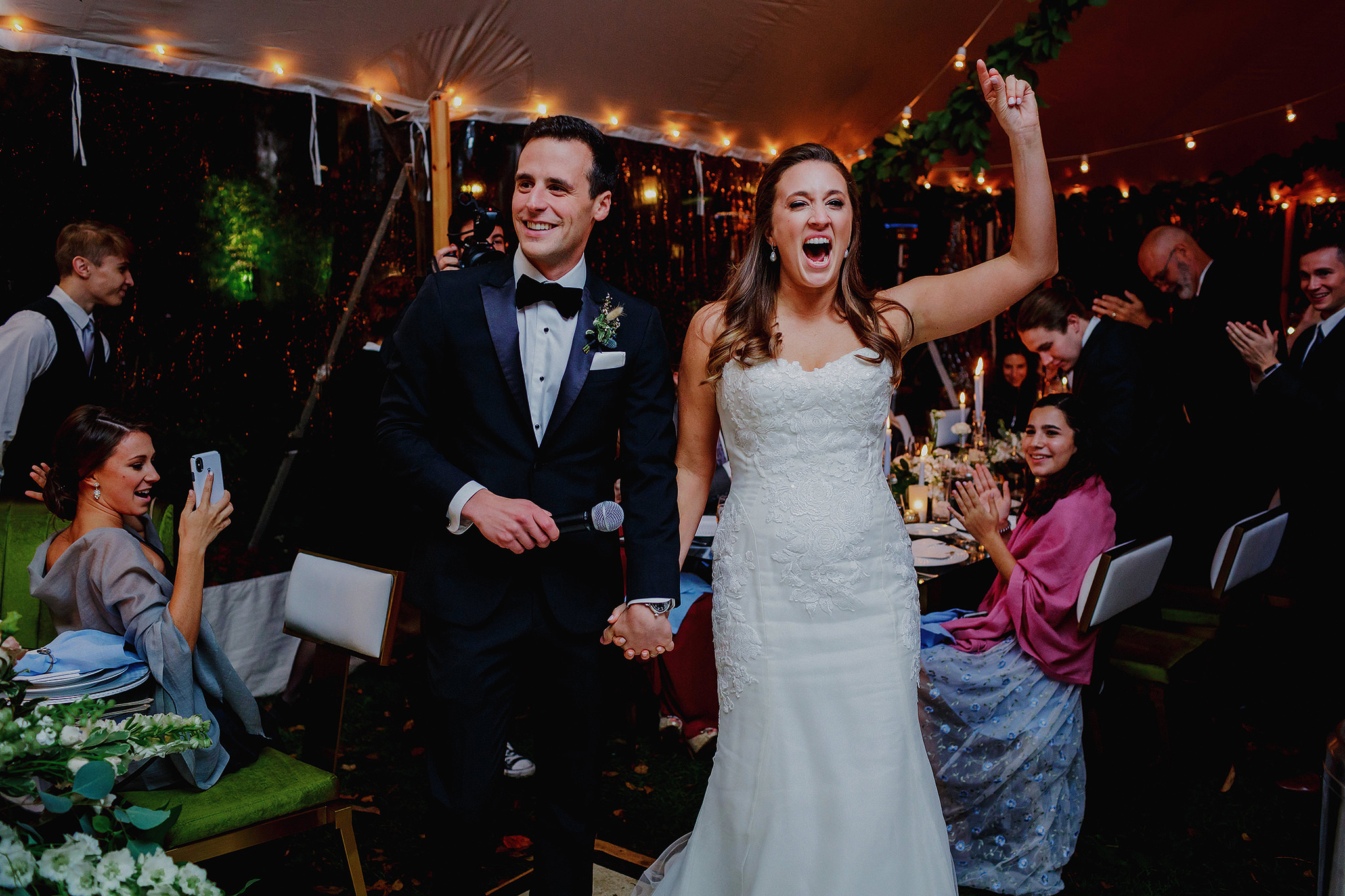 couple celebrate at a wedding at Manoir Hovey